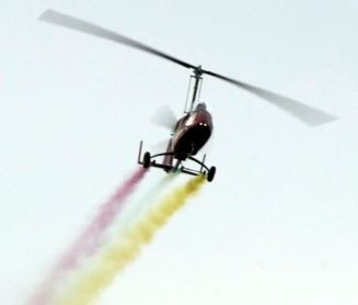 Gyrocopter with smoke